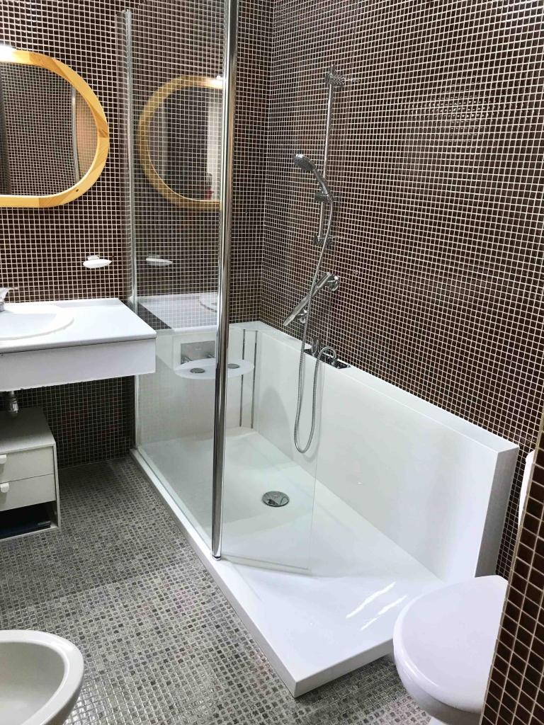 La douche sur mesure une solution id ale easy shower - Creer une salle de bain en 3d gratuit ...