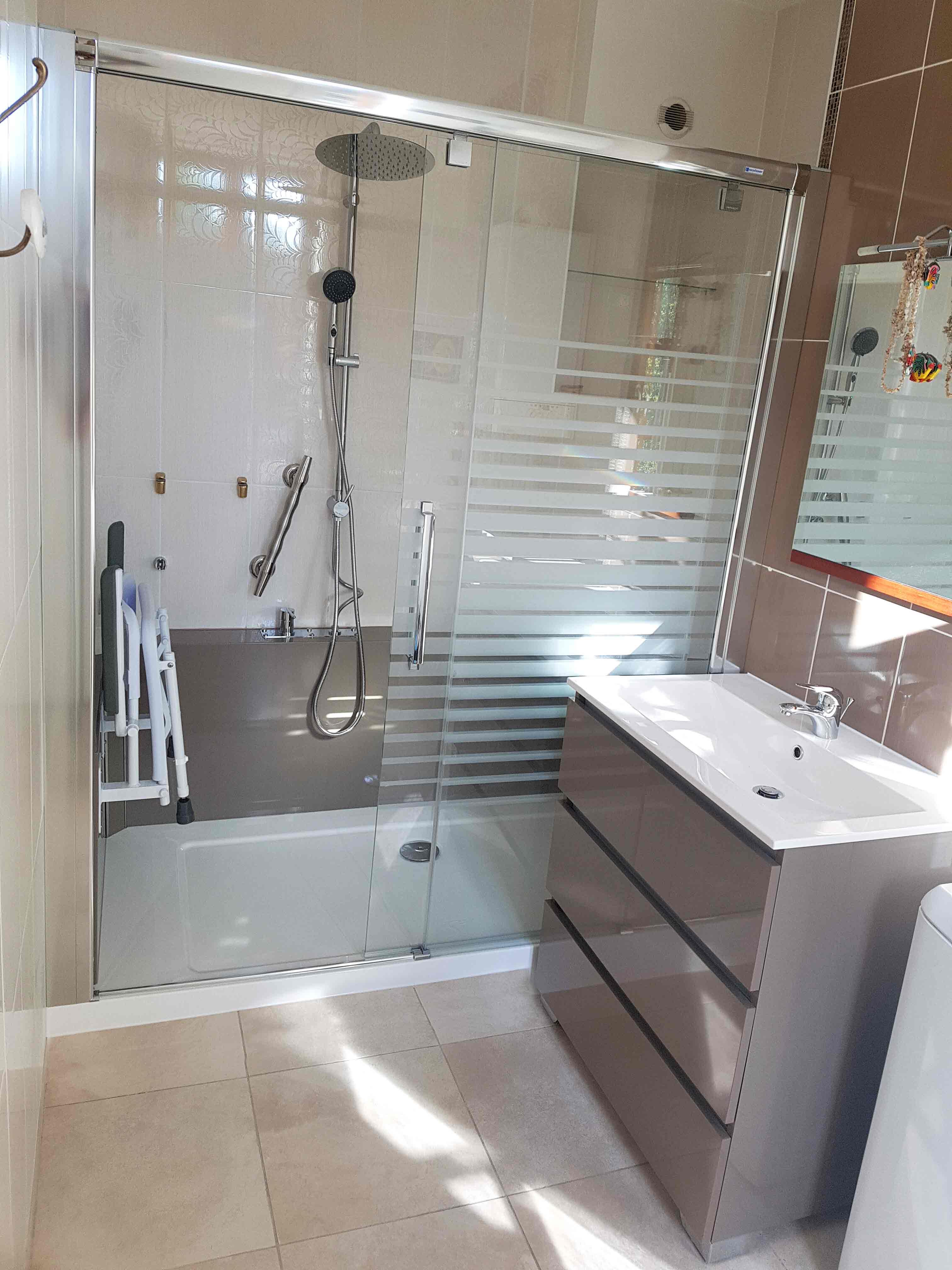 Photo de salle de bain après rénovation