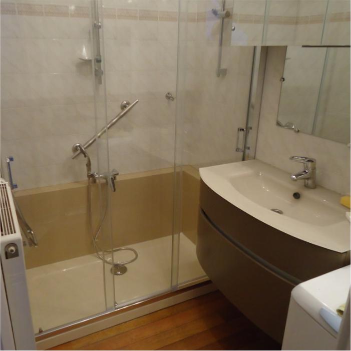 Photo salle de bain rénové; avis cient Easy Shower
