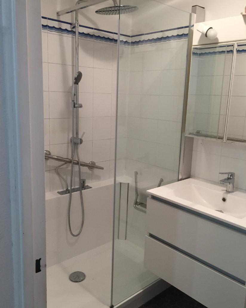 Photo après relooking complet de salle de bain