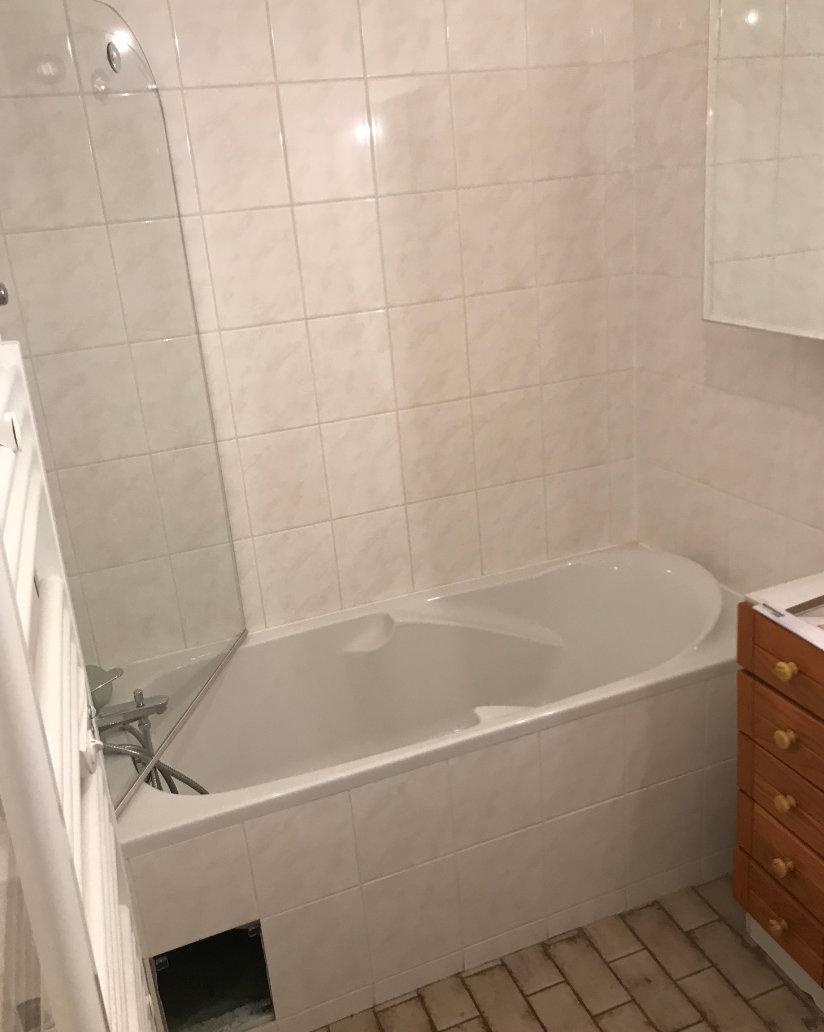 Photo avant relooking de baignoire
