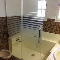Douche avec porte vitrée coulissante en verre Easy Shower