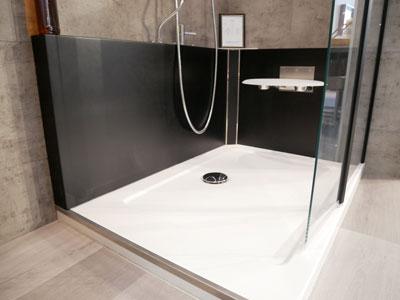 Remplacement-de-baignoire-par-une-douche-en-1-journée