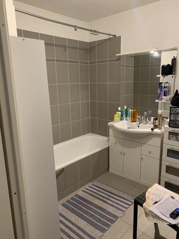 Remplacement de baignoire en douche grise avant